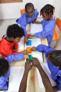 La salle d'arts de l'école Trois Papillons de Luanda